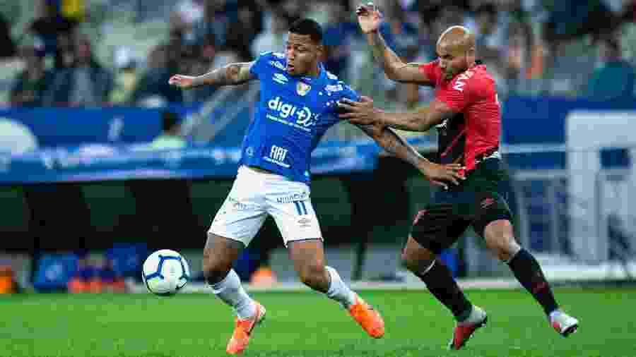 Atacante não se omite em campo, mas é cobrado por não estar conseguindo executar bem as jogadas - Bruno Haddad/Cruzeiro