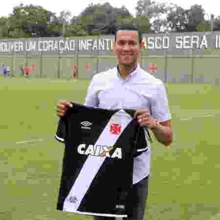 Souza foi revelado pelo Vasco e se tornou sócio do clube: ele está no Al Ahli, da Arábia, e quer voltar em 2021 - Divulgação