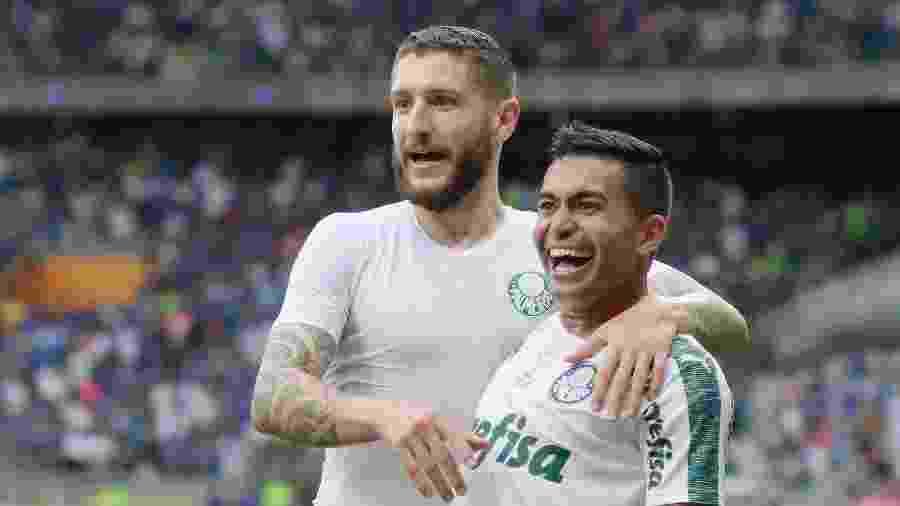 Zé Rafael e Dudu comemoram gol pelo Palmeiras - TELMO FERREIRA/FRAMEPHOTO/ESTADÃO CONTEÚDO