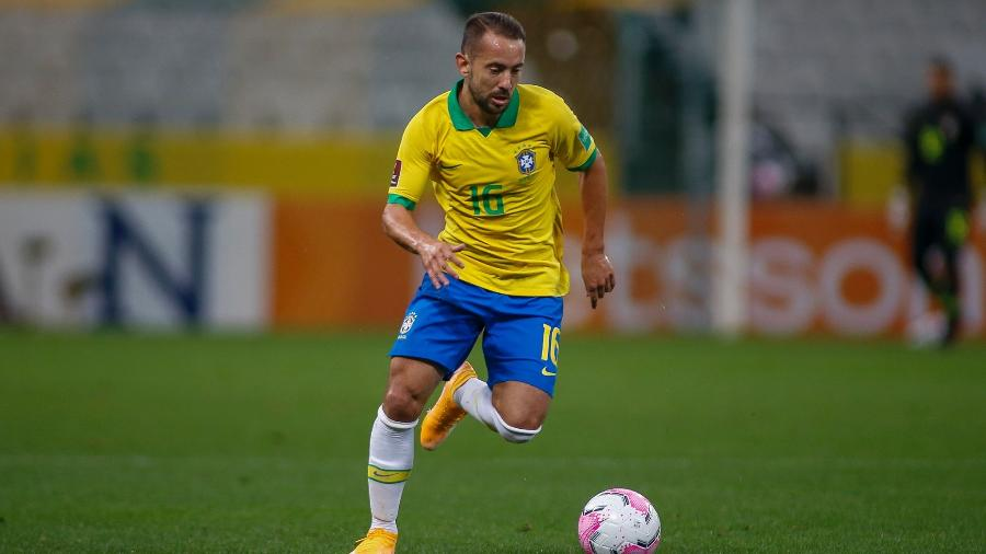 De volta ao pa�s palco da final da Liberta, Everton Ribeiro diz que Tite quer v�-lo como no Flamengo