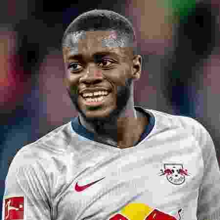Dayot Upamecano está na mira de vários gigantes - Divulgação/Bundesliga