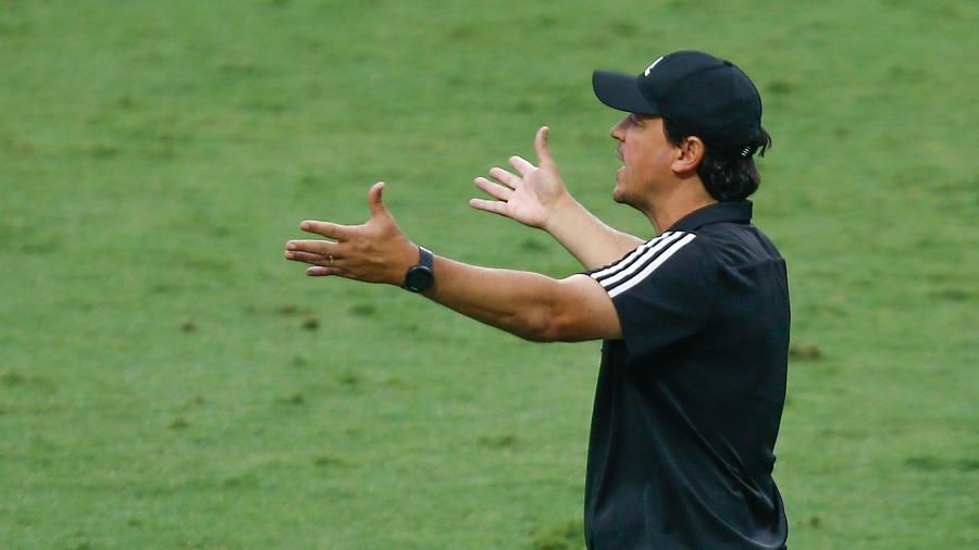 Fernando Diniz comanda o São Paulo em partida do Campeonato Brasileiro 2020 - Marcello Zambrana/AGIF