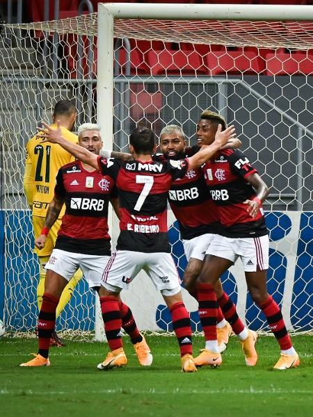 Jogadores do Flamengo comemoram gol - Andre Borges/AGIF