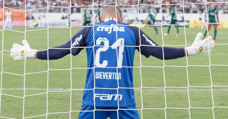 Weverton, durante jogo do Palmeiras contra o Bragantino