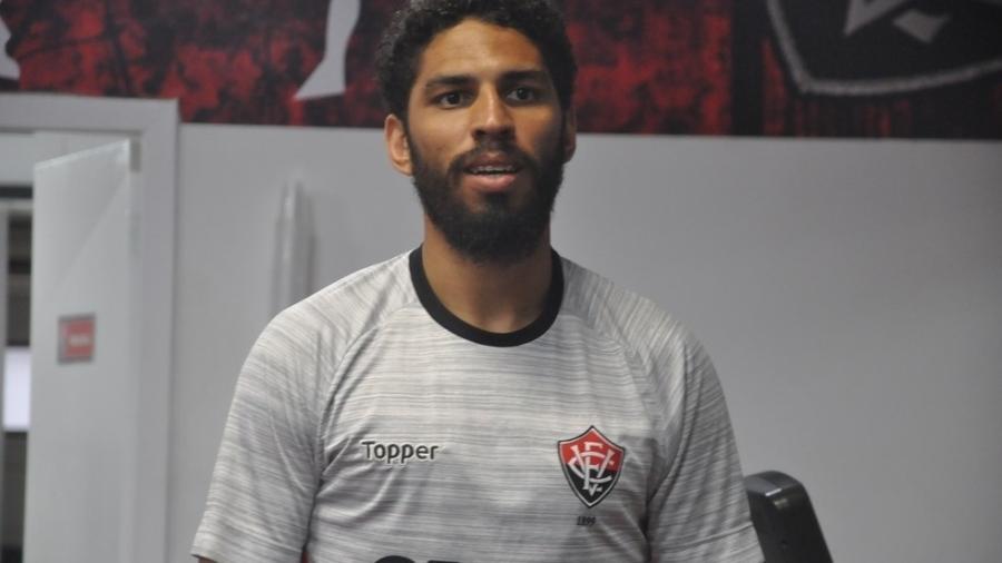 Wallace, zagueiro do Vitória: clube venceu SBT em processo que corria desde 2013 - Divulgação/Vitória