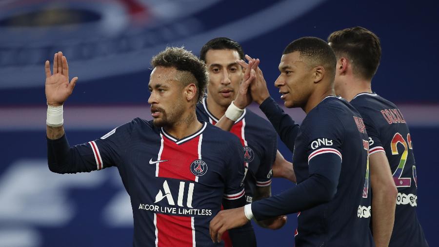 Neymar comemora gol do PSG contra o Reims; equipe de Paris venceu por 4 a 0 - REUTERS/Benoit Tessier
