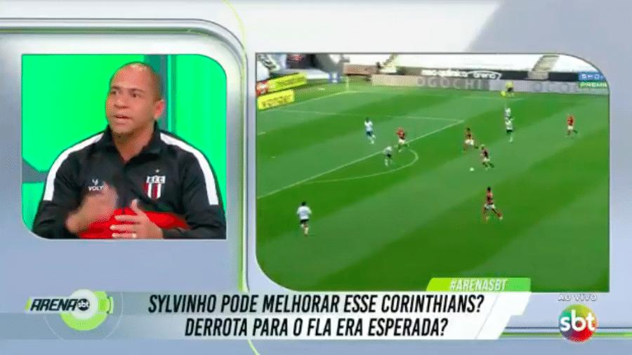 Walter, atacante do Botafogo-SP, em participação no Arena SBT - Transmissão