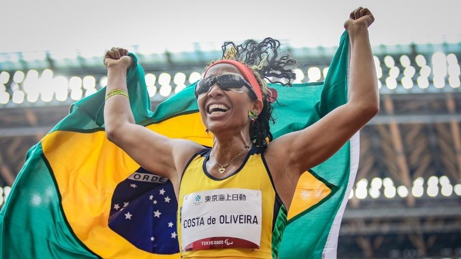 Silvânia Costa comemora ouro nas Paralimpíadas de Tóquio - Wander Roberto /CPB