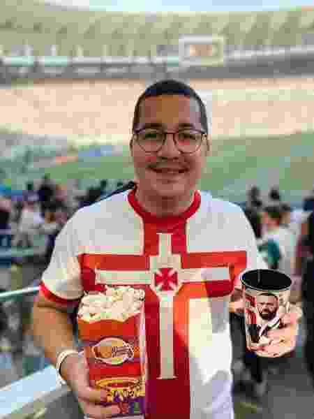 Padre Julinho em dia de jogo do Vasco no Maracanã: torcedor vascaíno de coração - Reprodução / Instagram - Reprodução / Instagram