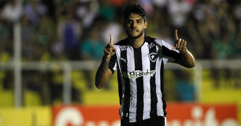 Ronaldo comemora o seu gol pelo Botafogo contra o Luverdense, pela Série B