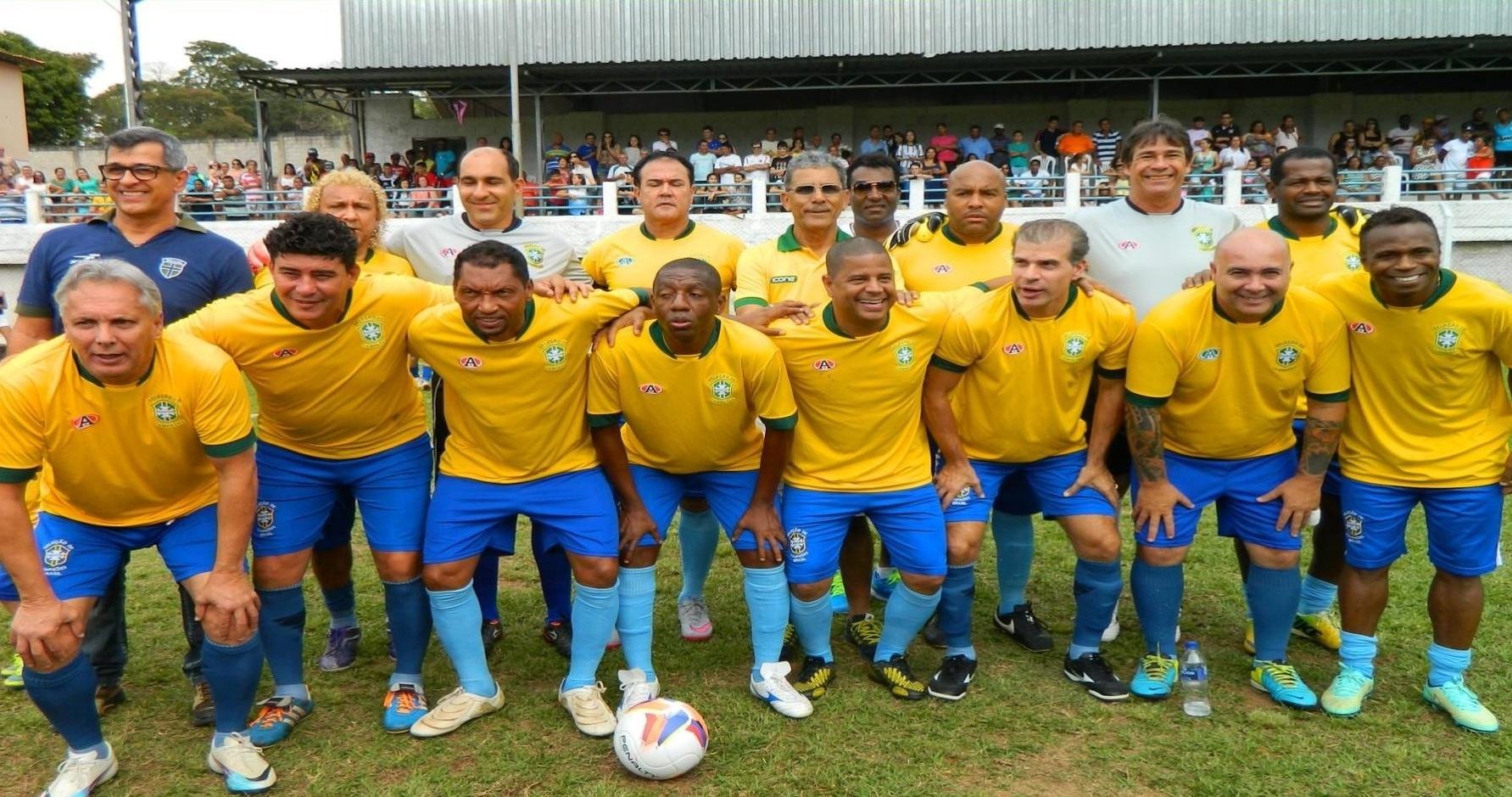 A seleção brasileira de futebol master em uma de suas apresentações com Marcelinho Carioca, Edilson, Tulio Maravilha e Amaral