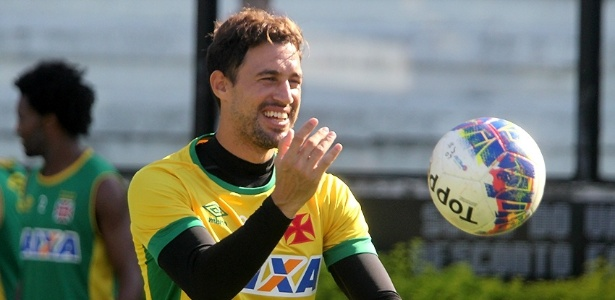 Martín Silva é só alegria com os 100 jogos e a renovação de contrato até 2019