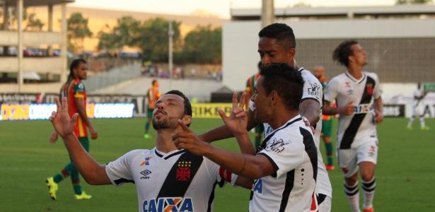 Nenê fez dez gols no primeiro turno e somente dois agora no returno da Série B