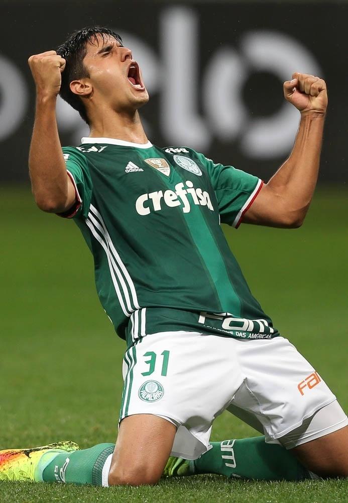Thiago Martins comemora gol do Palmeiras contra a Ponte Preta