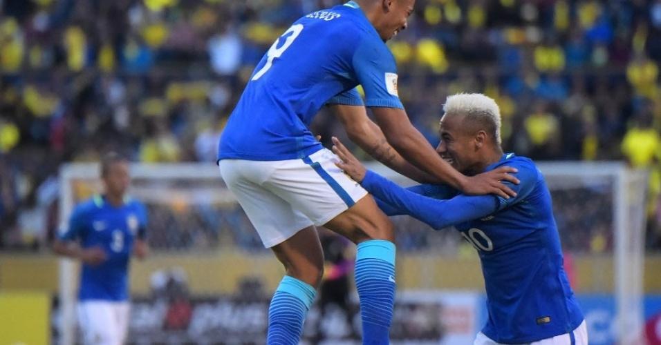Gabriel Jesus comemora com Neymar gol da seleção brasileira contra o Equador
