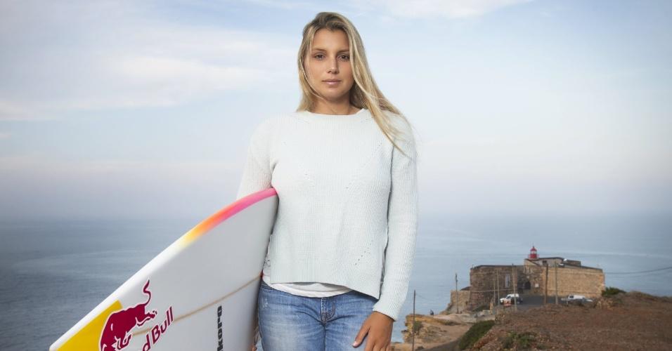 Maya Gabeira espera estar pronta para campeonato mundial de ondas gigantes