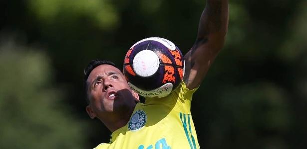 Lucas Barrios assinou a rescisão com o Palmeiras na última quarta-feira, antes do dérbi - Agência Palmeiras
