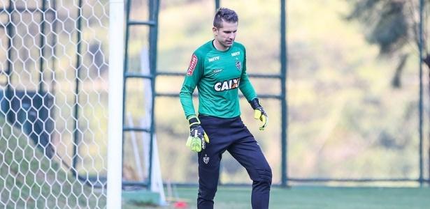 Victor pode defender o Atlético-MG diante do Godoy Cruz, da Argentina