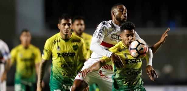 Defensa eliminou o São Paulo em pleno Morumbi