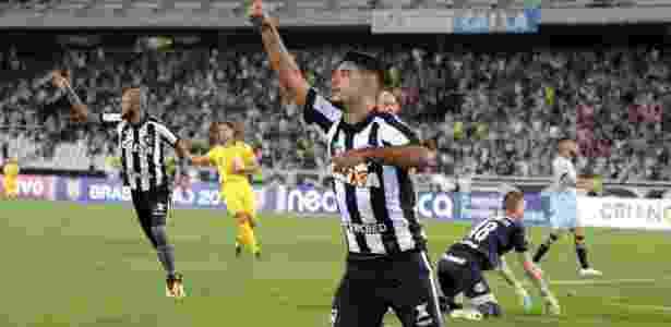 Jair confirma lesão jovem do Botafogo 15aa760ab3289