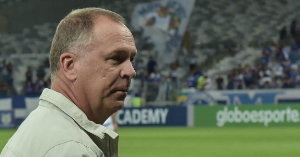 Mano Menezes, técnico do Cruzeiro, analisa confronto contra o Santos