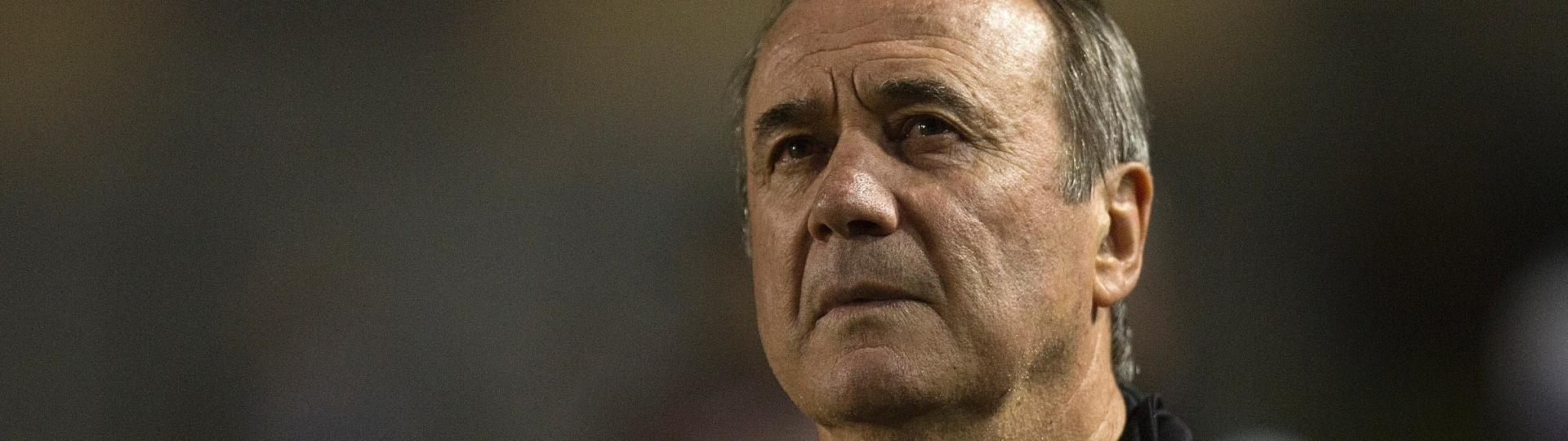 O técnico Levir Culpi comanda o Santos contra o Vitória