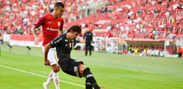 Romero sofreu um estiramento na coxa contra o Inter e desfalcará o Corinthians