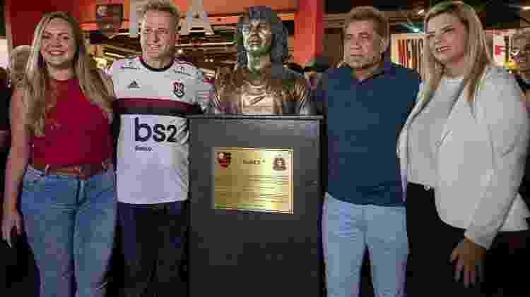 Nunes foi homenageado com uma estátua na Gávea -  Paula Reis/CRF -  Paula Reis/CRF
