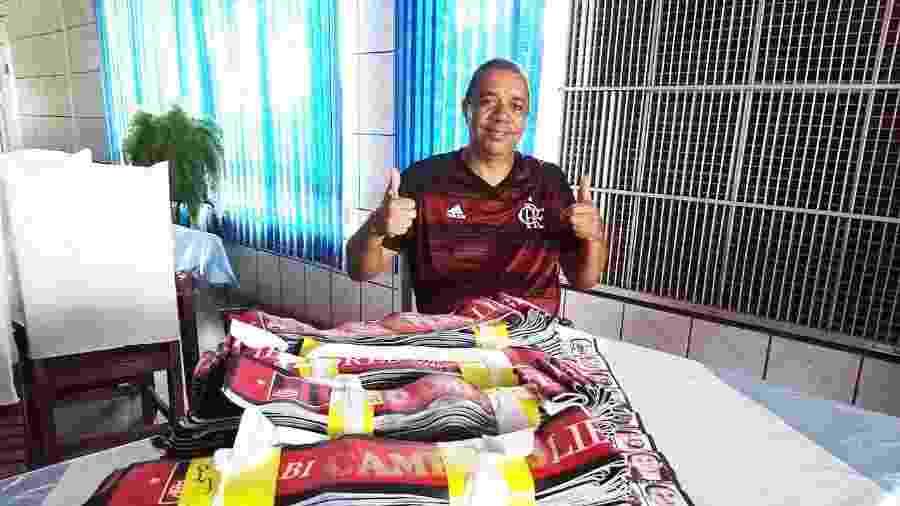 Reginaldo Alves e as 200 faixas do Flamengo campeão da Libertadores que estão indo para Lima - Diego Salgado/UOL