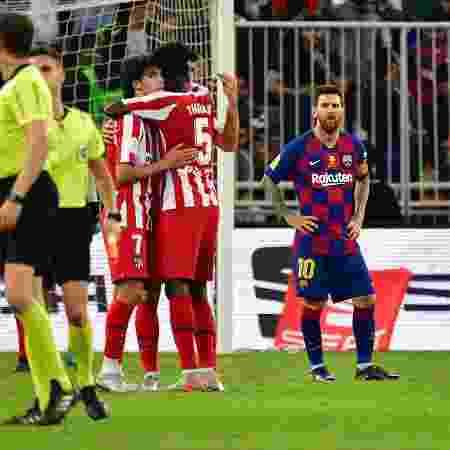 Messi lamenta após gol do Atlético de Madri na Supercopa da Espanha - Giuseppe CACACE / AFP