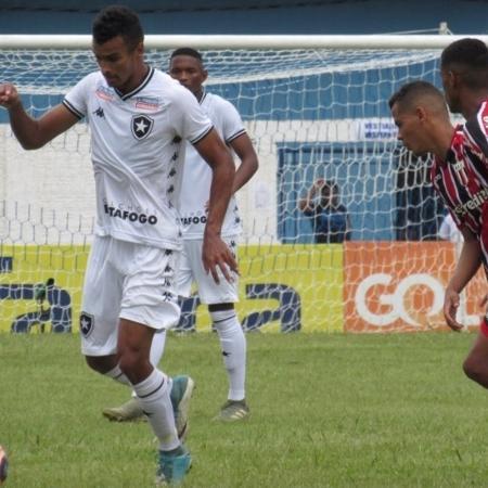 Copa Sao Paulo Com Dois De Penalti Botafogo Sp Bate Xara Carioca E Avanca Na Copinha