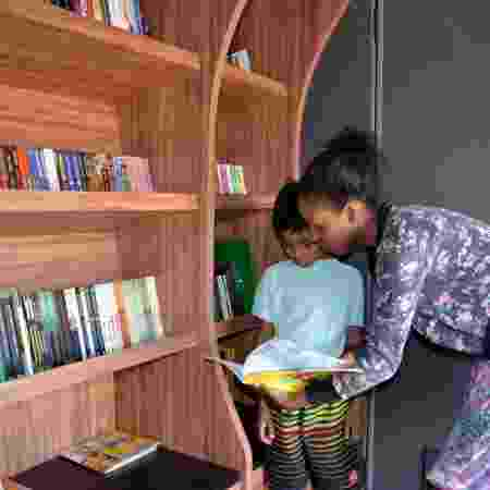 Ônibus do projeto Fome de Aprender é equipado com biblioteca itinerante com mais de 1.000 livros - Fome de Aprender / Divulgação - Fome de Aprender / Divulgação