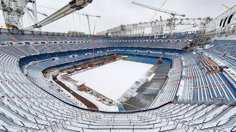 Santiago Bernabéu coberto de neve por conta de tempestades na Espanha - Divulgação