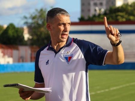 Vojvoda tem desempenho superior a Abel e Crespo entre estrangeiros em 2021  - 08/06/2021 - UOL Esporte