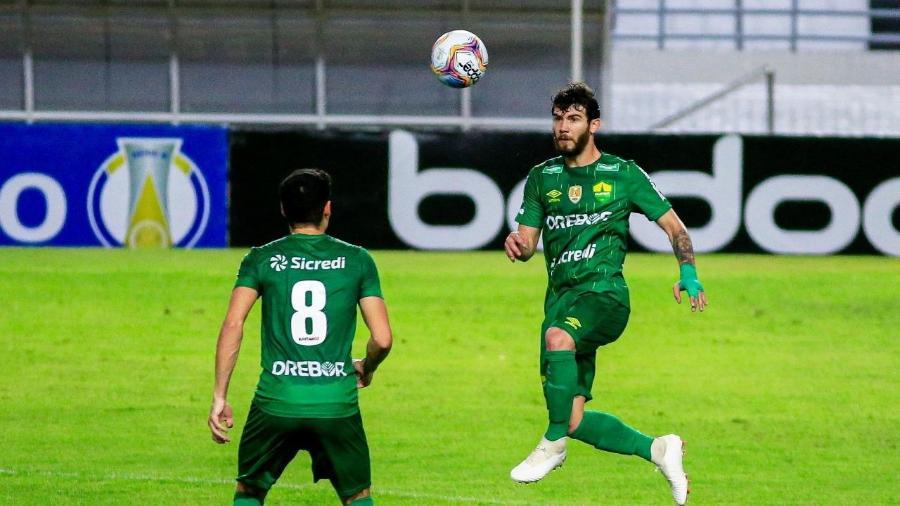 Luiz Gustavo entrou na Justiça contra o Cuiabá após receber ameaça do vice-presidente - Cuiabá Esporte Clube