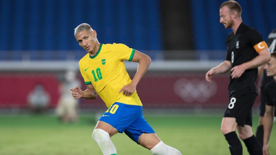 Richarlison comemora gol do Brasil sobre a Alemanha na estreia dos Jogos Olímpicos - Júlio César Guimarães/COB