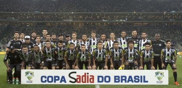 Santos que inicia 2016 é basicamente o mesmo da final da Copa do Brasil - Miguel Schincariol/AFP