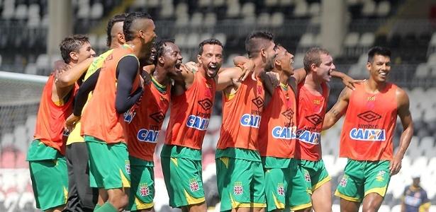 Elenco do Vasco ostenta uma invencibilidade de 14 jogos ou quatro meses