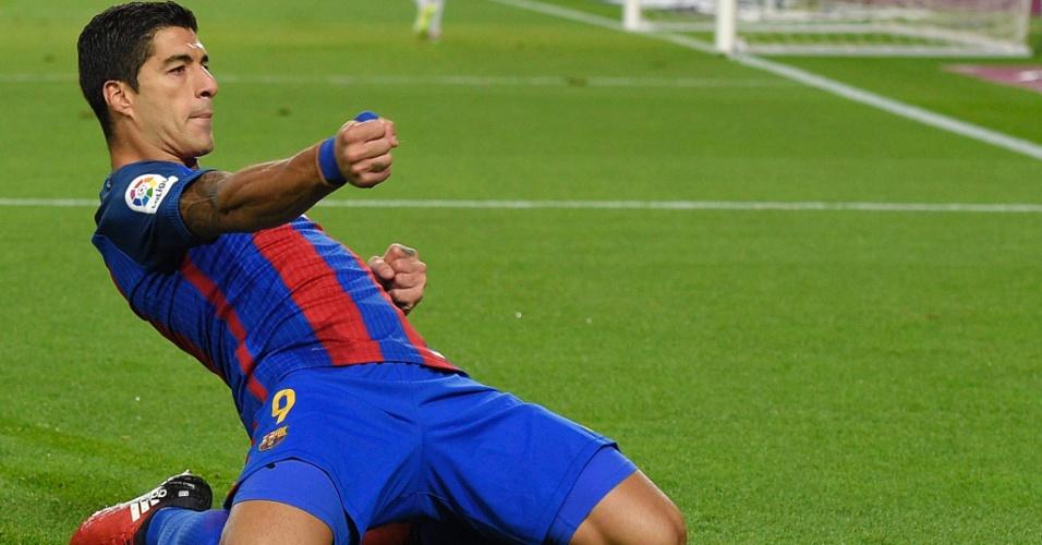 Suárez comemora o 100º gol com a camisa do Barcelona