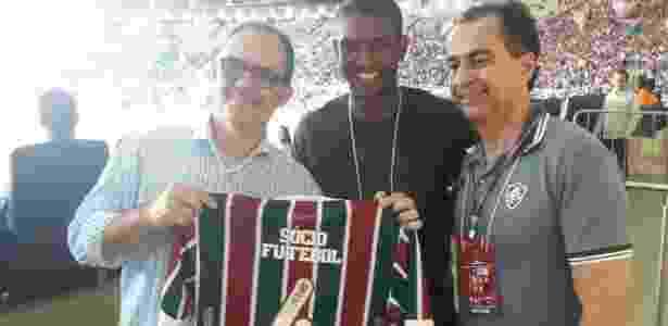 Marlon é homenageado com camisa personalizada do Flu - Twitter/Fluminense - Twitter/Fluminense