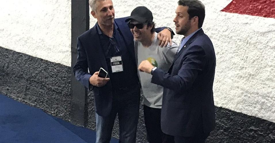 Vascaíno fanático, o ator Bruno Mazzeo mostrou apoio a Julio Brant