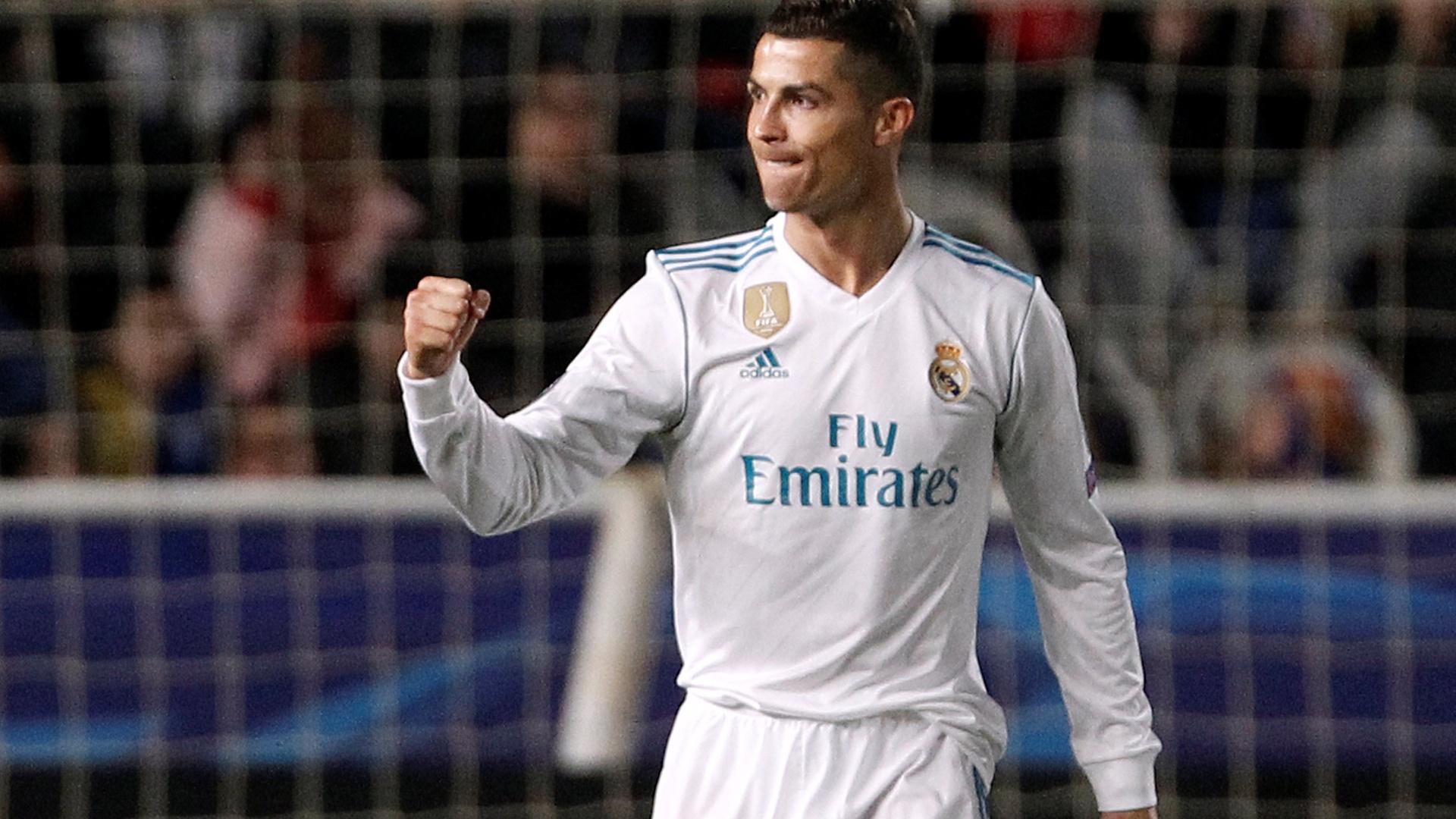 Cristiano Ronaldo comemora gol do Real Madrid contra o Apoel