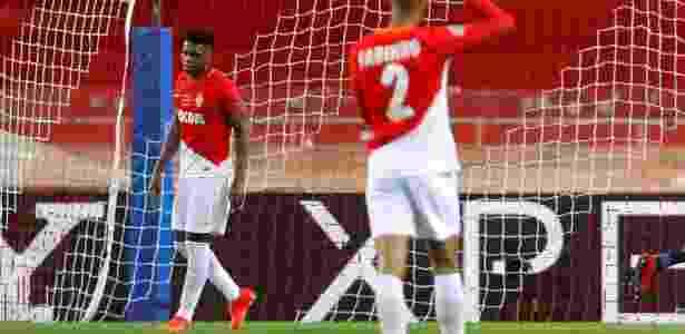 Jemerson lamenta falha em gol do RB Leipzig sobre o Monaco, pela Liga dos Campeões - REUTERS/Eric Gaillard
