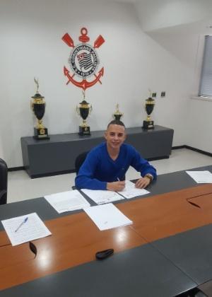 Gabriel assina contrato nesta sexta para ir à Ponte Preta