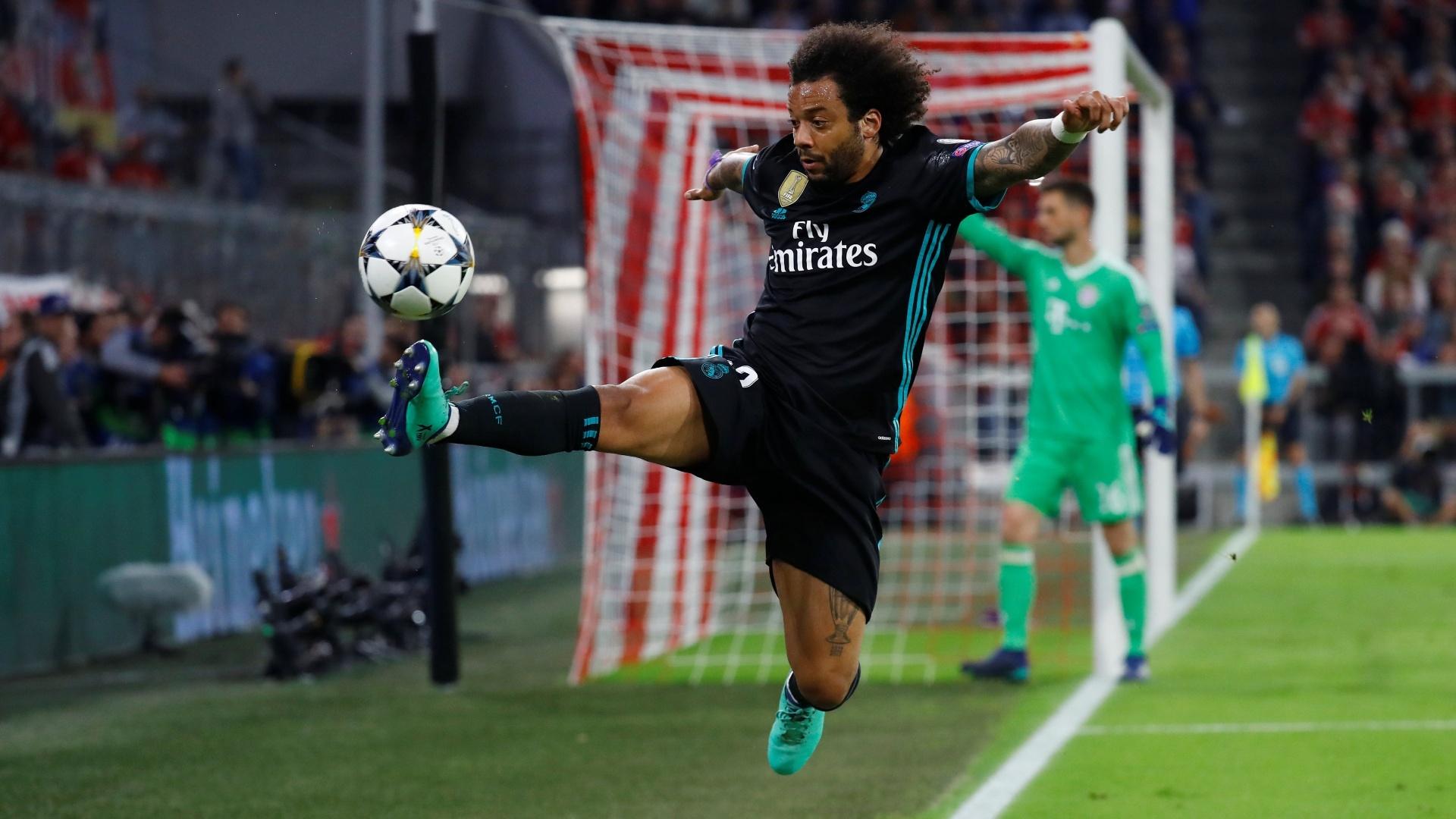 Marcelo domina a bola em Bayern de Munique x Real Madrid, pela Liga dos Campeões