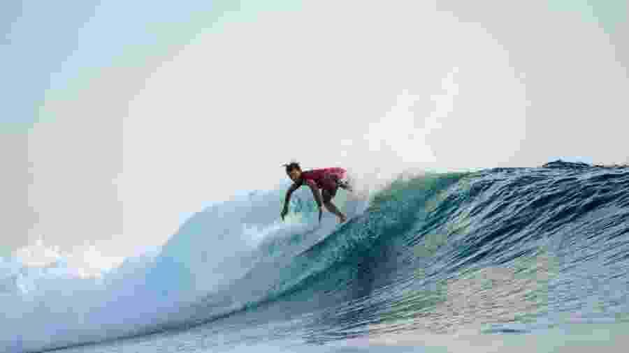 Julian Wilson faz manobra durante etapa do Circuito Mundial de Surfe (WCT) - WSL / ED SLOANE