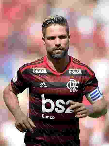 Diego é vaiado pela torcida do Flamengo em jogo contra Chapecoense - Thiago Ribeiro/AGIF