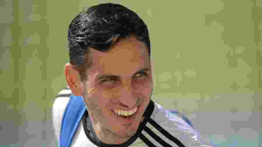 Gatito Fernández, goleiro da seleção do Paraguai que morou em Porto Alegre - CARL DE SOUZA / AFP