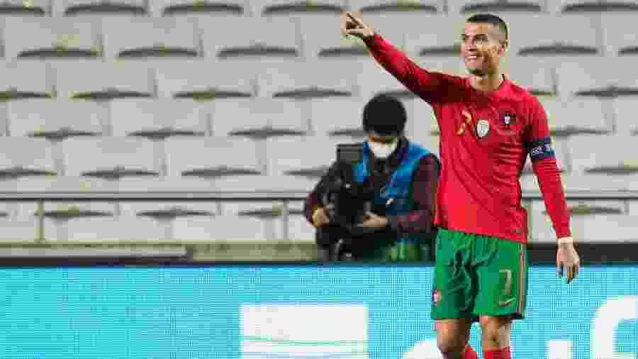Cristiano Ronaldo em jogo por Portugal - Soccrates Images/Getty Images