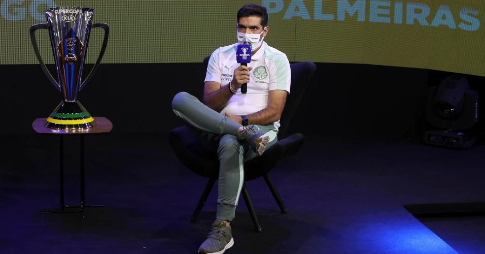 Abel Ferreira durante entrevista coletiva da Supercopa do Brasil